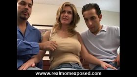 imagen Double penetration with your busty wife