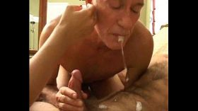 imagen Grandpa's bisexual fun with younger couple