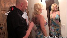 imagen Horny Couple Has Threesome With Teen Babysitter!