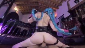 imagen Hot Jinx Cosplay uses Super Mega Death Cumshot