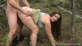 imagen MILF gets facial in the woods. Madisin Lee in M…