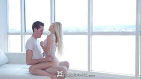 imagen PASSION-HD Blonde Alex Grey fucked in a high ri…