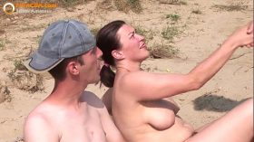 imagen Real amateur threesome on the beach