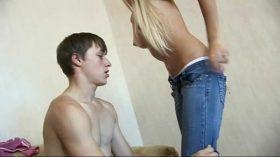 imagen Young blonde Teen lost Virginity