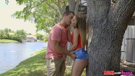 imagen Mom joins teen stepdaughter and her boyfriend -…