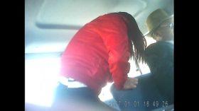 imagen #1 puta paceña subiendo al minibus mostrando la…