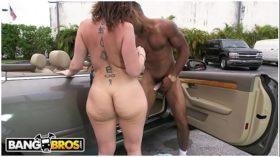 imagen BANGBROS – Big Ass MLF Pornstar Sara Jay Takes …