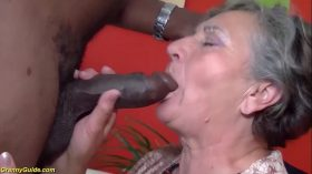 imagen hairy 80 years old granny first interracial