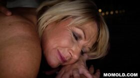 imagen Attractive MILF Amy Getting a Sernsual Massage and a Dick