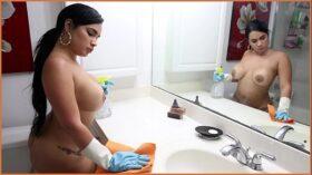 imagen BANGBROS – Cuban Maid Destiny Gets Her Big Ass Fucked For Cash Money