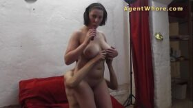 imagen BUSTY milf with shy guy at their first casting