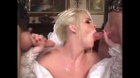 imagen Cheating blonde bride decided to be double penetrated before wedding by two uknown guys weared gas masks and latex