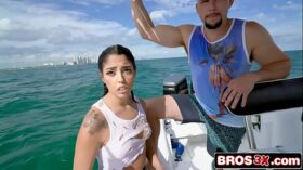imagen Illegal Cuban Immigrant Tricked Into Sex On a Boat – Vanessa Sky