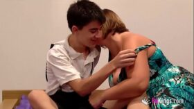 imagen Jordi fucks a girl while her brother is next to him watching!!!
