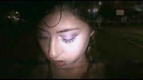 imagen Melody petite – Mamando (Blowjob) Wawis en el Parque muy rico, venida en tetas
