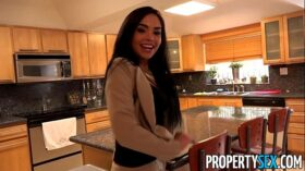 imagen PropertySex – Client finds out hot Latina real estate agent is pornstar