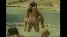imagen Sea Sex And Fun – Scandalo Al Sole (1995)