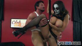 imagen Spizoo – Milf Ava Adams is punished by Wolverine, big boobs & huge cock